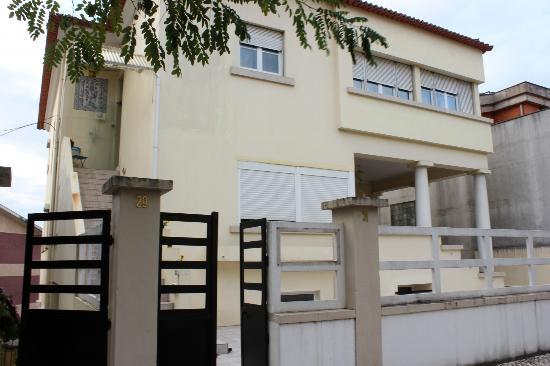 Dream On Coimbra Hostel : Building
