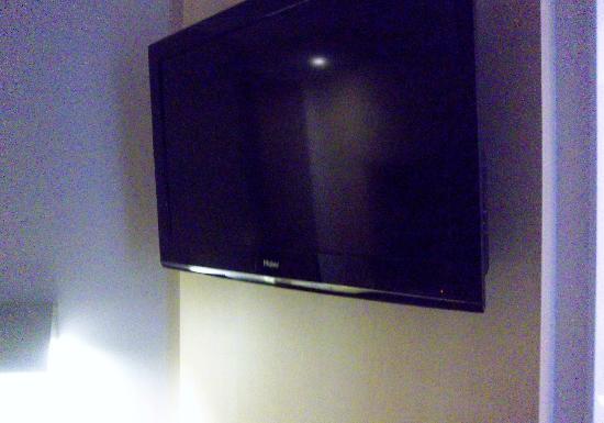 BEST WESTERN Seine West Hotel : la télévision