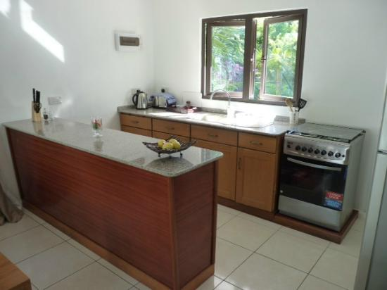 Takamaka Beach Villas : Kitchen