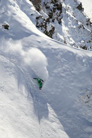 Mat in one of Les 7 Laux couloirs, pre season november 2012