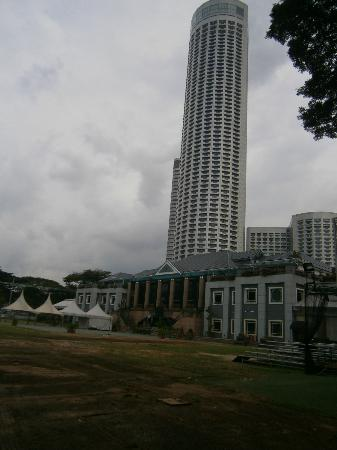 The Residence At Singapore Recreation Club: Side view of the Recreation Club