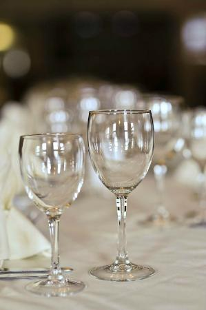 The New Ship Restaurant: The glasses all polished