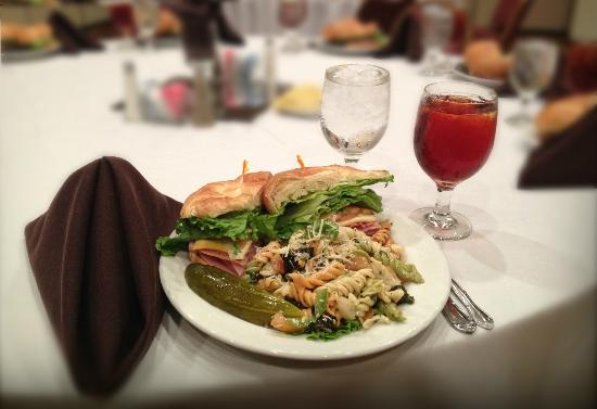 Magnuson Hotel and Meridian Convention Center: Sandwich Lunch Plate