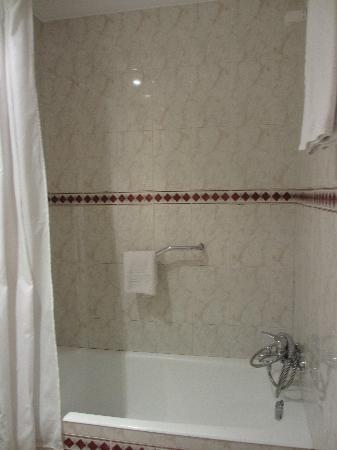 Serrano : バスルーム