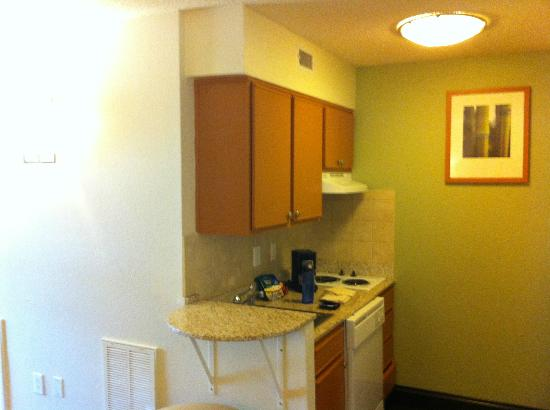Hyatt House Houston-West/Energy Corridor : kitchenette