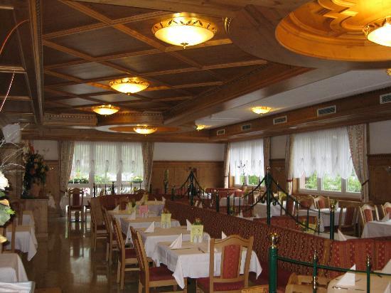 Hotel Toni: Speisesaal