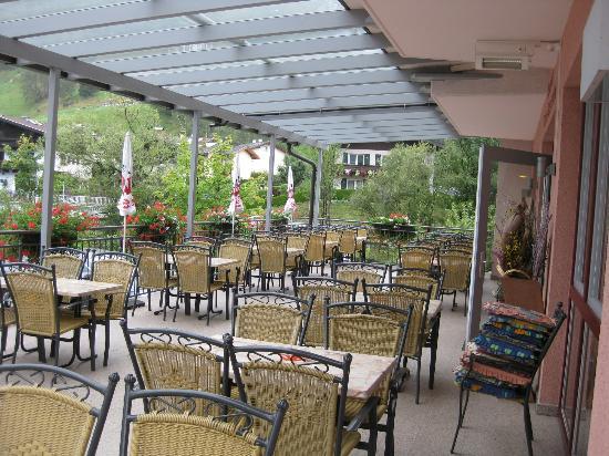 Hotel Toni: Terrasse