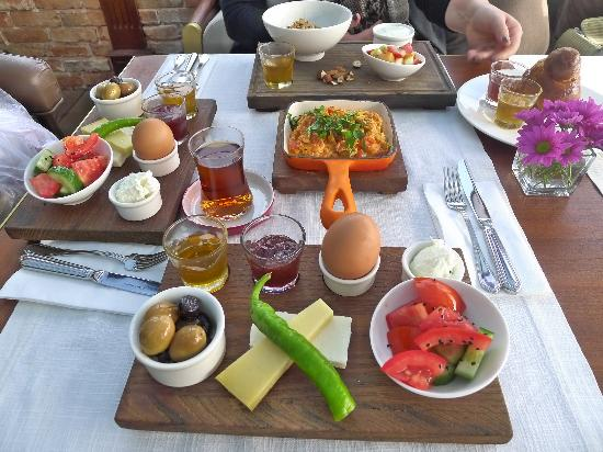 Georges Hotel Galata: Breakfast at Georges
