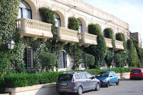 Cornucopia Hotel: the front of the hotel
