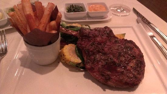 Grand Hotel Toronto: The steak dinner from the hotel restaurant