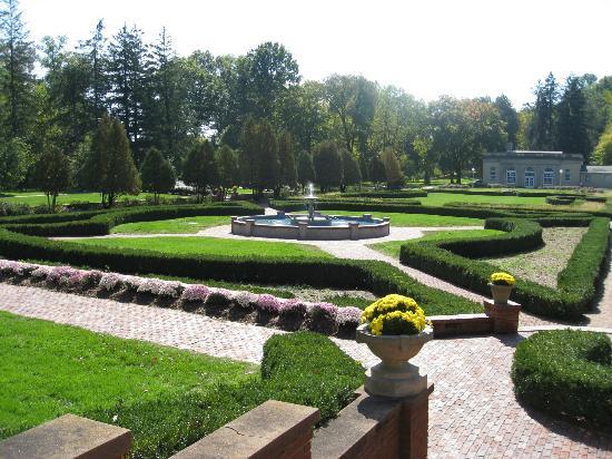 West Baden Springs Hotel: West Baden garden