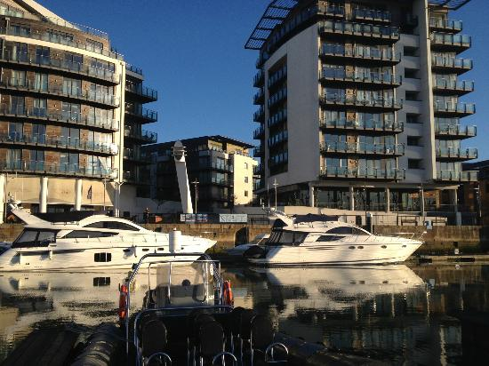 Pitcher & Piano - Southampton: The marina looking towards the restaurant
