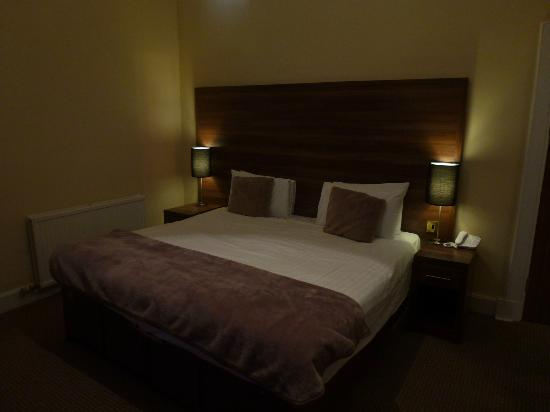 The Royal Hotel: Room