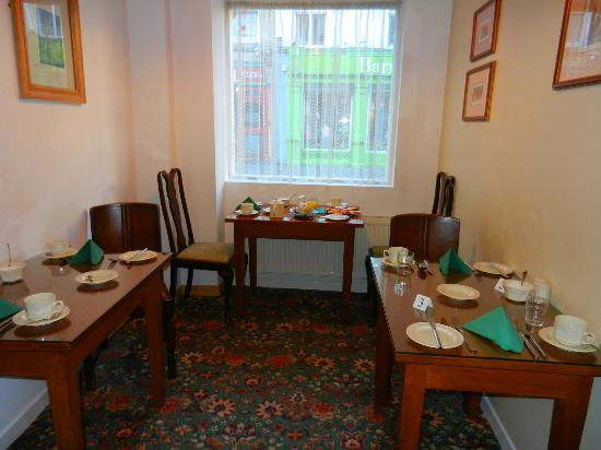 Red Setter Townhouse B&B: Pretty dining room