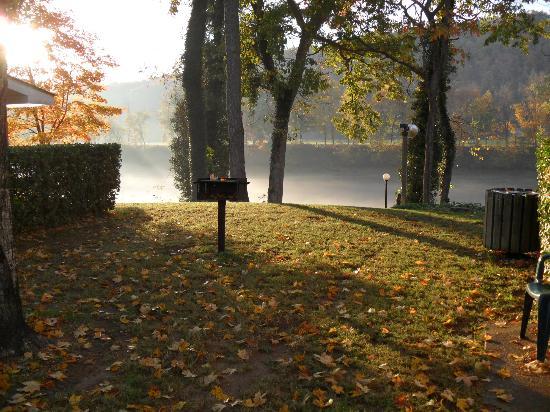 Gaston's White River Resort: Beautiful morning