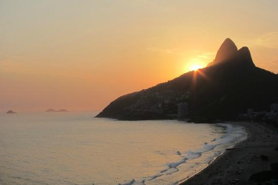Caesar Park Rio de Janeiro Ipanema Managed by Sofitel: sunset