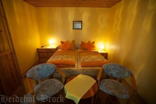 Gasthaus & Pension Heidehof: Nr. 6 Familienzimmer / Elternschlafbereich