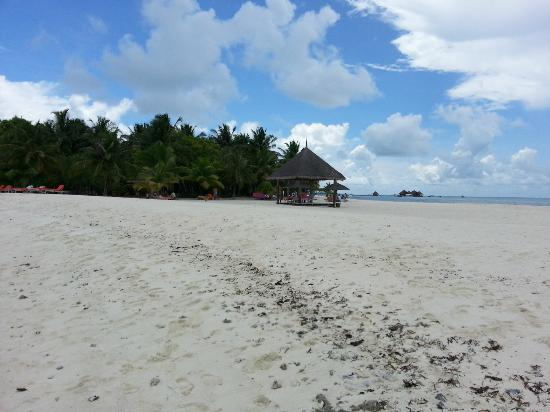 Club Med Kani: White sandy beach