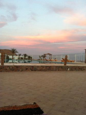 Canyon Estate Dahab Beach Hotel Residence: this is during sunset