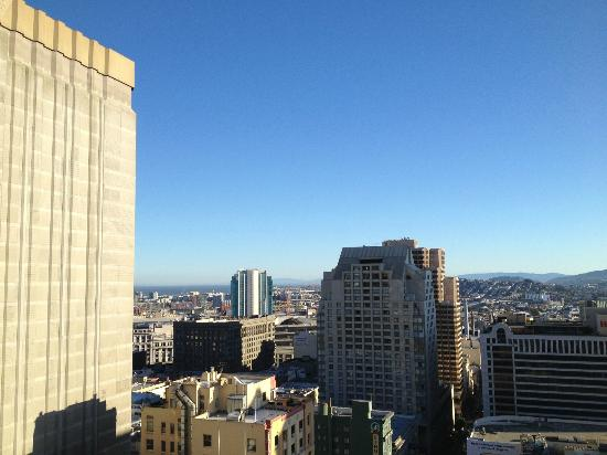 JW Marriott San Francisco Union Square : Sunny view of the bay