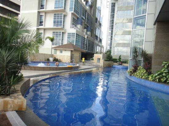 Lotsa freebies picture of crown regency hotel towers cebu city tripadvisor for Cheap hotels in cebu city with swimming pool
