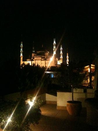 Hotel Sari Konak: Moasqué Bleue depuis la terrasse