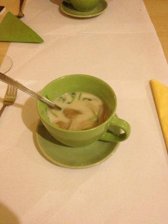 Pinong: Tom Kha Gai soup
