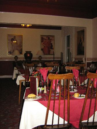 Somerton Lodge Hotel: dining room