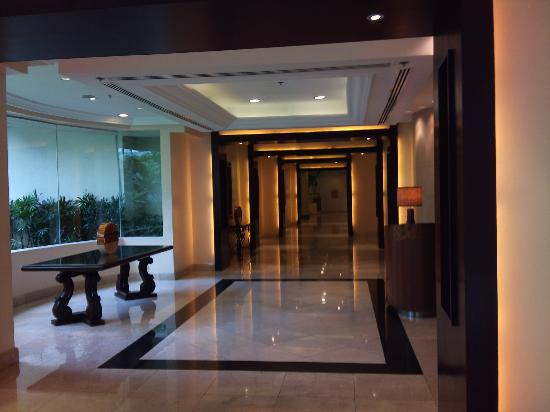 Edsa Shangri-La: Peace and quiet, the hotel of the highest grade in Manila
