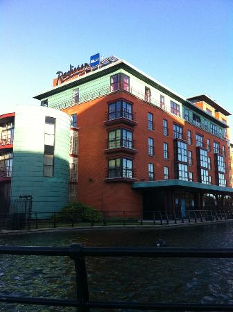 Radisson Blu Hotel, Belfast: Outside Hotel