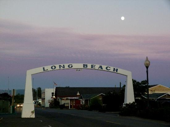 ‪‪Long Beach‬: Entrance to the beach