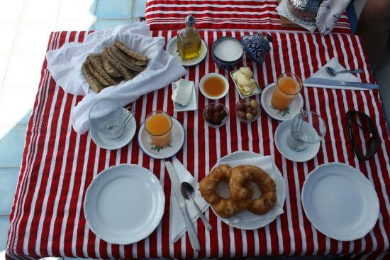 Casa Perleta: Breakfast