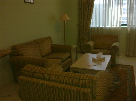 Pearl Residence Hotel Apartments: living room