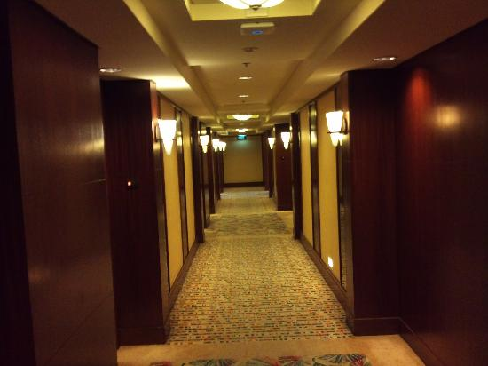 Edsa Shangri-La: the corridor