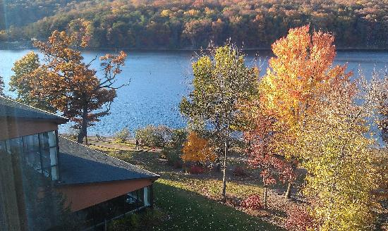 Rocky Gap Casino Resort: The fall colors were stunning