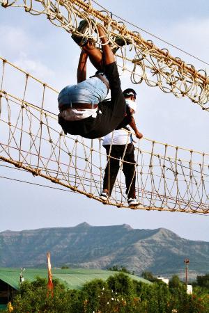 Adventure Plus: Rope fall