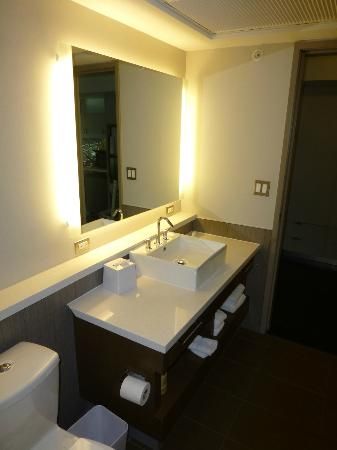 Element Dallas Fort Worth Airport North: Bath vanity