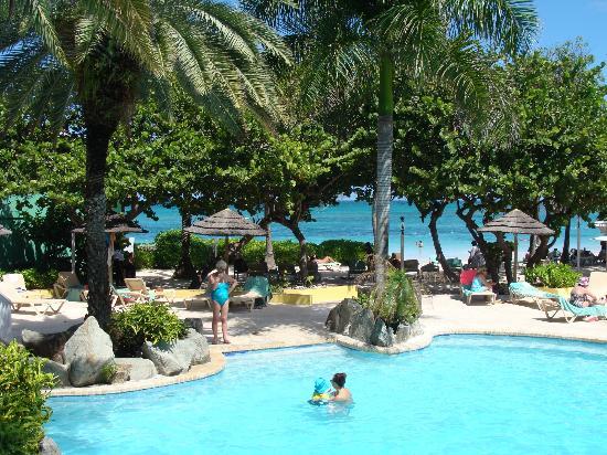 Pineapple Beach Club Antigua: view of the beach