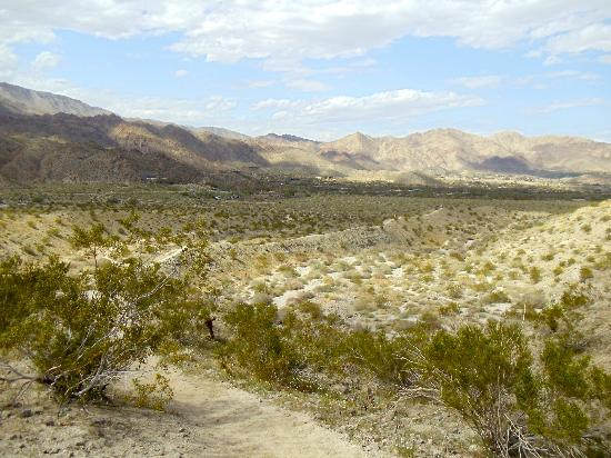 Santa Rosa & San Jacinto Mountains National Monument Visitor Center: beautiful views of mountains