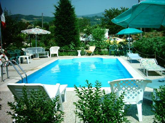 Piccola piscina foto di agriturismo la sorgente varzi - Piccola piscina ...