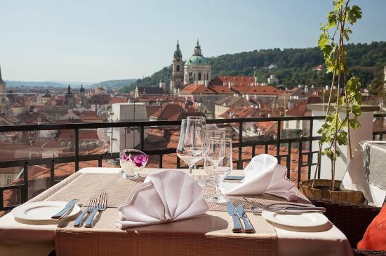 Golden Well Hotel : Terasa U Zlate Studne Restaurant - view