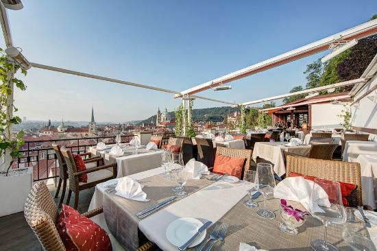Terasa U Zlate Studne Restaurant - Terrace (51130363)