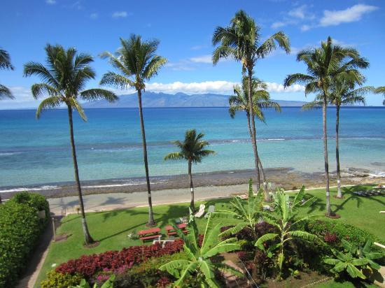 Paki Maui Resort: Molokai from room balcony