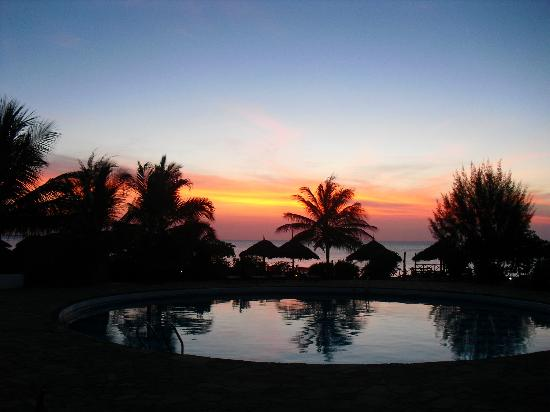 Baobab Beach Resort: Sunset