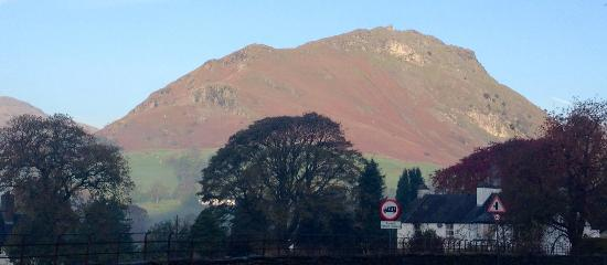 Macdonald Swan Hotel: View of Helm Crag from the Hotel