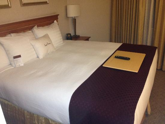DoubleTree Suites by Hilton Hotel Phoenix: The Comfortable bed