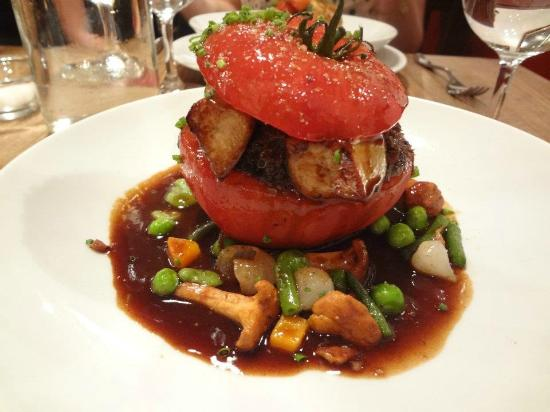 L'Ourcine : This was incredibly good- tomato stuffed with beef in a wine sauch, with mushrooms and vegetable