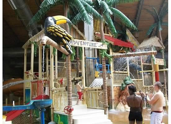 Split Rock Resort Indoor Waterpark: Lots more than this, but this is a really fun kids activity zone!