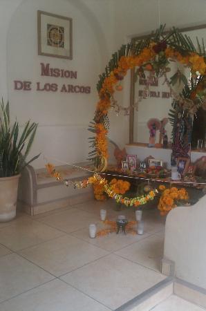 Mision de los Arcos: Altar de muertos 2012