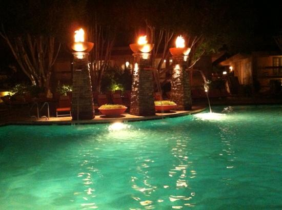 FireSky Resort & Spa - a Kimpton Hotel: pools by night